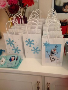 lovely frozen themed party favor bags for 2014 halloween treat or trick - olaf snowflake-f76684